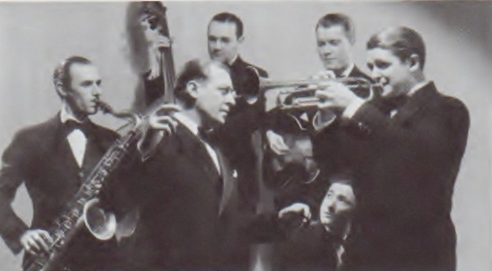 The Famous Door band in early 1936 L-R Forrest Crawford tenor sax; Red McKenzie vocals and \u201cblue blowing\u201d (*); Morty Stulmaker bass; Eddie Condon ...  sc 1 st  Mr. Trumpet & Swing Street- \u201cI Can\u0027t Get Started\u201d \u2013 (1936) small group version ...